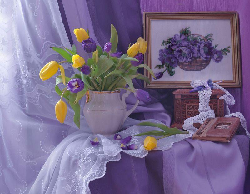 still life,натюрморт,фото натюрморт, весна, март, цветы, тюльпаны, шкатулка, картина, вышивка, рукоделие Главней всего погода в доме...photo preview