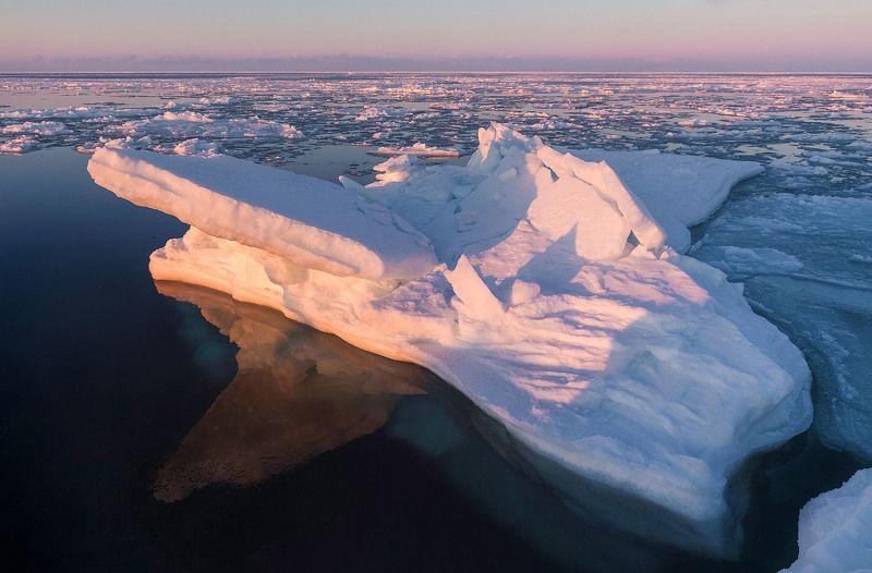 Весенние мотивы Охотского моряphoto preview