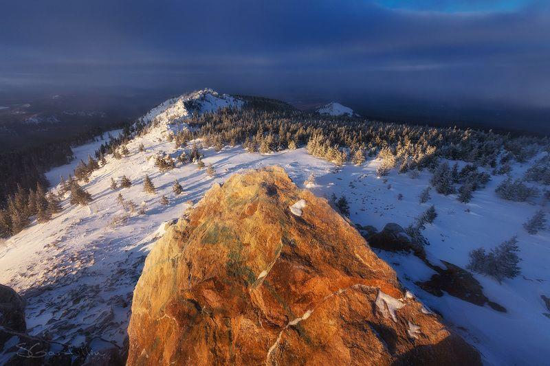 Зюраткуль, Урал, Южный Урал, зимний пейзаж На вершине хребта Зюраткульphoto preview
