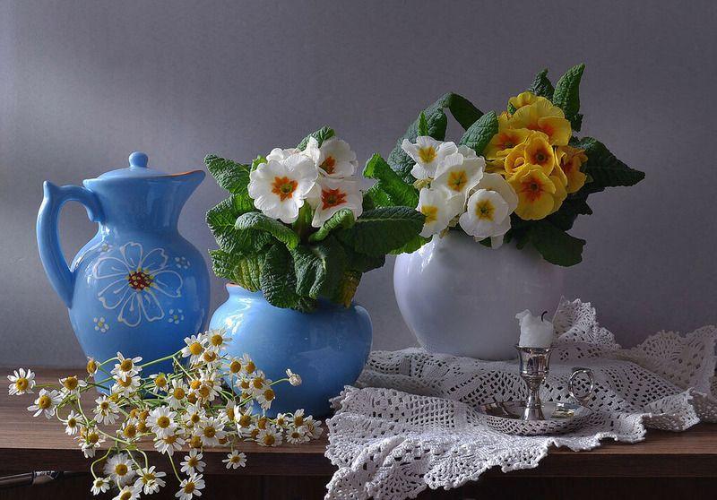 still life,натюрморт,фото натюрморт, весна, март,цветы, примулы, керамика, подсвечник, свеча Весенней радостью души...photo preview
