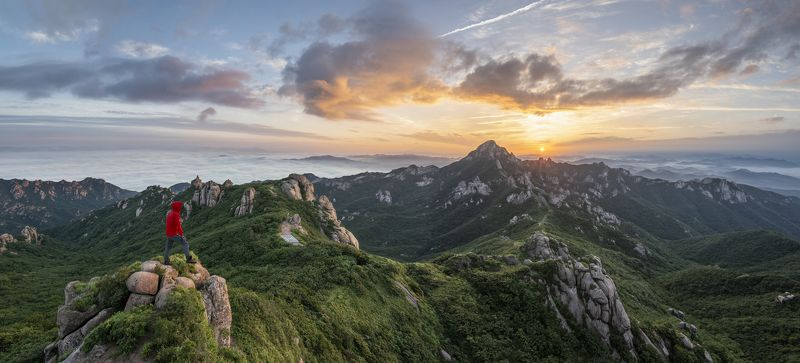mountains,rocks,clouds,mountain,range,peak,hiking,fog,rugged,nationalpark,sunrise Yeongam Wolchulsanphoto preview