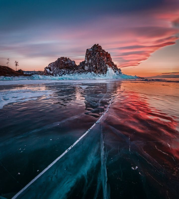 Байкал, лед, скала, озеро, приключения, путешествия, закат Вечер на Байкальском льду IIIphoto preview