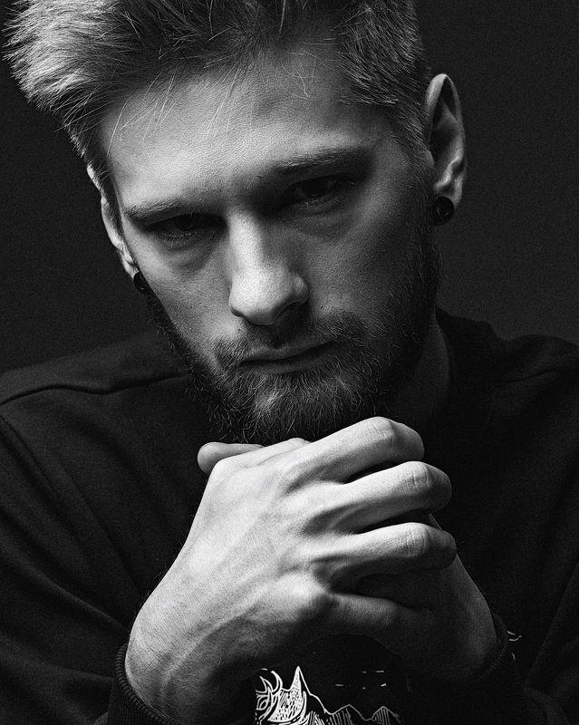 мужской портрет, черно-белое, чб, грусть, черное Мужской портрет в черно-беломphoto preview