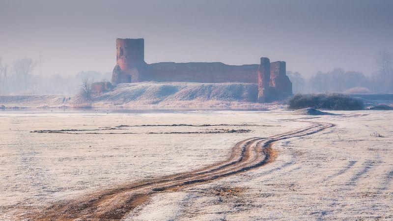 Towards Castle Ruinsphoto preview