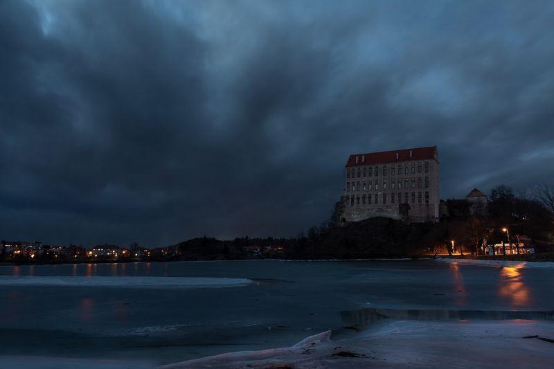 Dark castlephoto preview