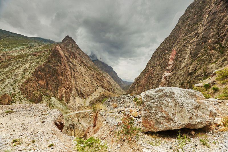 Перед грозой… Гиссарский хребет. Таджикистанphoto preview