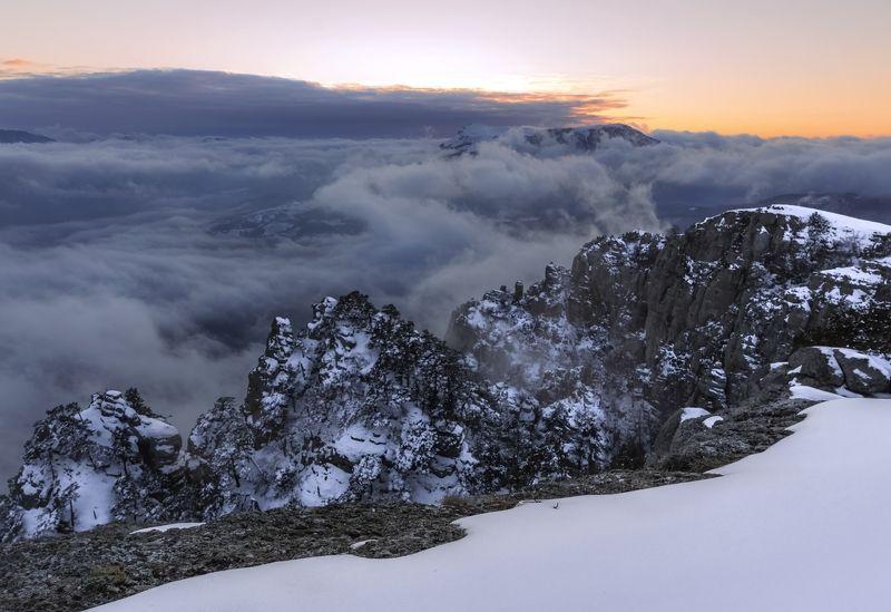 Холодный закат на Демерджиphoto preview
