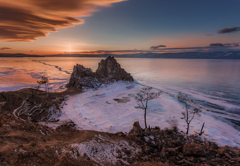 байкал, зима, лед, снег, путешествие, закат, солнце Закат над мысом Бурханphoto preview