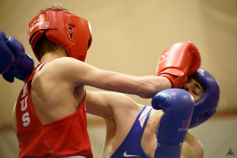 бокс ринг хук удар Боксphoto preview