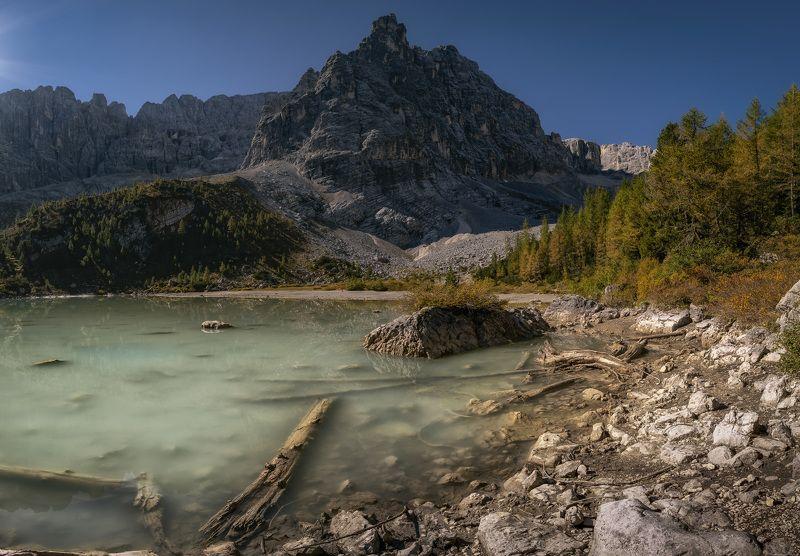 озеро, горы, альпы заброшенный берегphoto preview