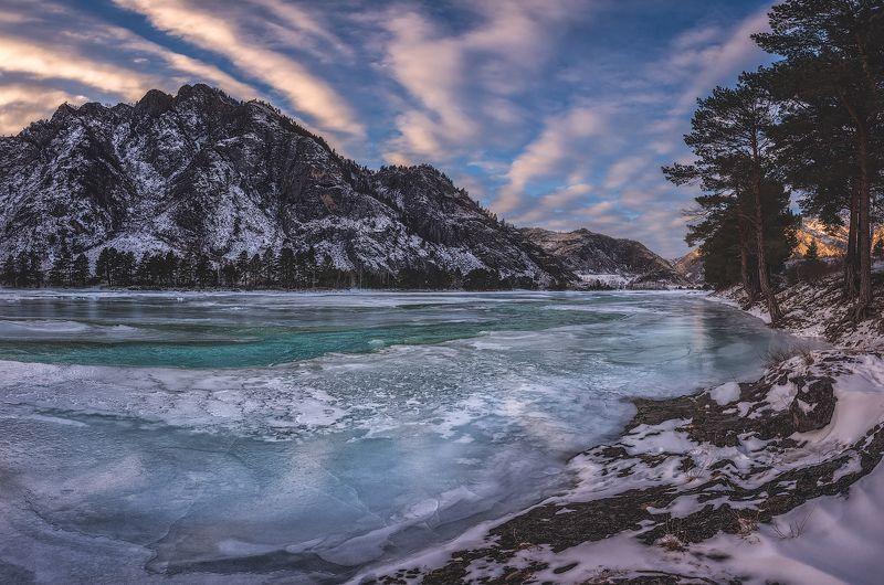Зимний берег Катуниphoto preview