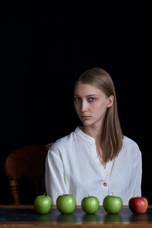девушка, глаза, портрет, естественный свет, студия, portrait, girl, eyes, studio, sigma, sony, яблоки, apples Машаphoto preview