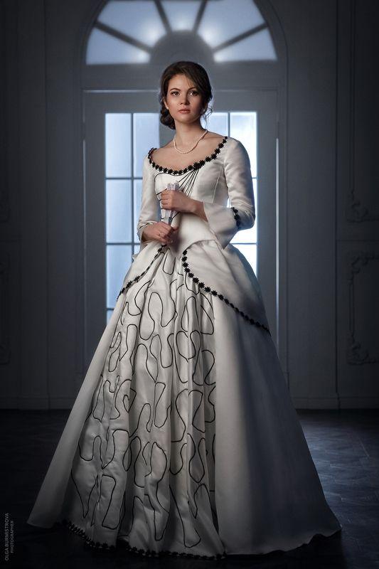 фото в образе, старинное платье, на балу, дама, белое платье, девушка на балу, стилизация Перед баломphoto preview