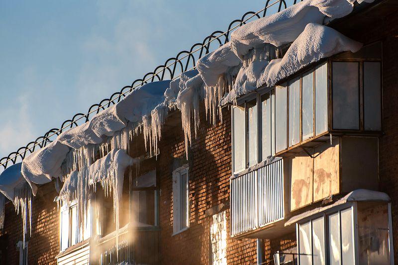 сосульки, снег, на крыше, дворники, посёлок, шерегеш, горная шория, сибирь, зима Pro сосульки (2)photo preview