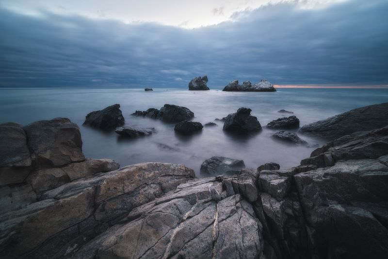 россия, крым, полуостров, пейзаж, природа, черное море, длинная выдержка, берег, камни, восход солнца, рассвет Монах с тремя сестрамиphoto preview