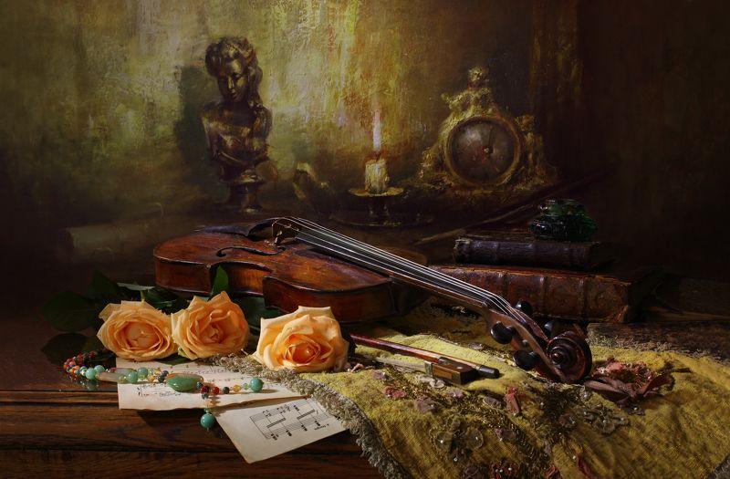 розы, скрипка, музыка, цветы, свет, свеча, картина, живопись Натюрморт со скрипкой и цветамиphoto preview