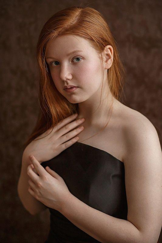 портрет, рыжая, рыжие волосы, девушка Девушка с рыжими волосамиphoto preview