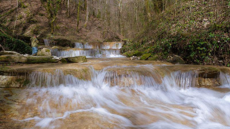 весна, март Весной у водопадаphoto preview