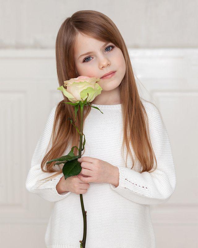 девочка, портрет, фото, фотография, photo Дашенька - нежный цветочекphoto preview
