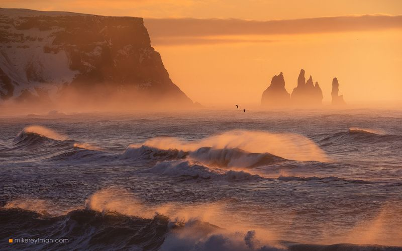 vik, basalt, nature, iceland, sky, sea, motion, pink, surf, storm, horizontal, speed, outdoors, scenic, no people, reynisdrangar, horizon over water, reynisfjara, breaking waves, power in nature, south central iceland Свет в Студию!photo preview