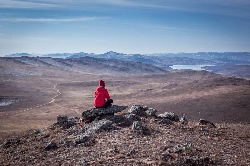байкал, зима, путешествие, человек, пейзаж, горы, озеро, небо Странницаphoto preview