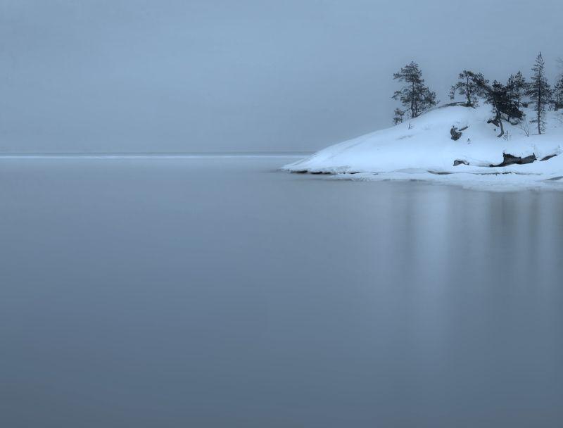 снег, вода ,выдержка Ладожский мнимализмphoto preview