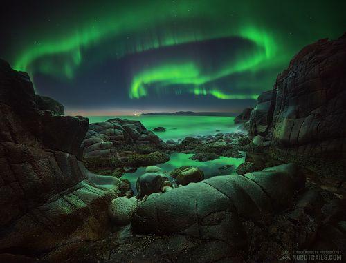 Rocks & Aurora