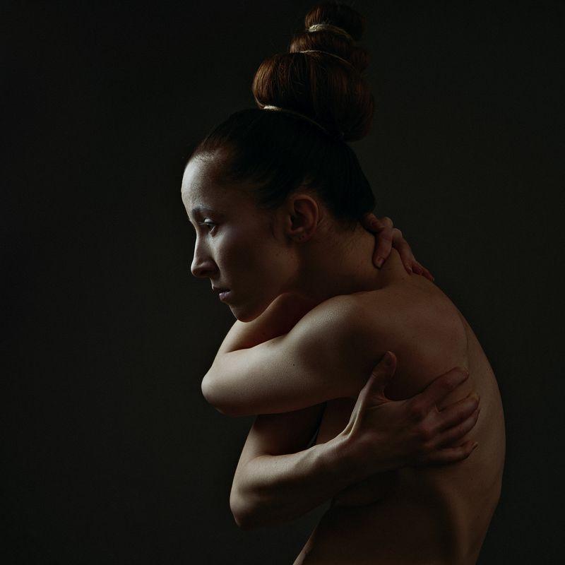 woman, female, portrait, mood, soul, fight, faith, stylish, look, face, motion, dark, darkness Demon Insidephoto preview