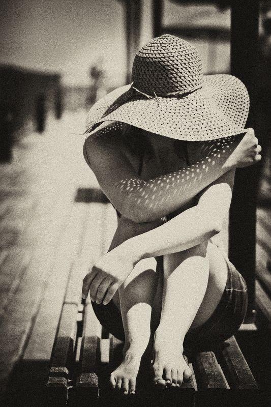кипр, девушка, море, солнце, шляпа, отдых sunny dayphoto preview