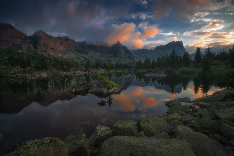 ергаки, горы, саяны, западныйсаян, сибирь На озере Художниковphoto preview