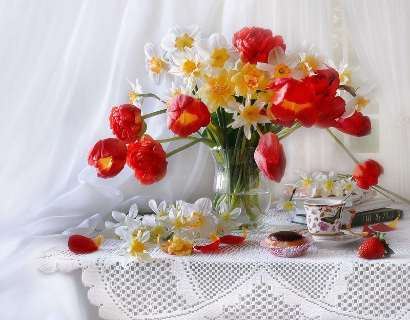 still life,натюрморт,фото натюрморт, весна, март, цветы, тюльпаны, нарциссы Танго весны...photo preview