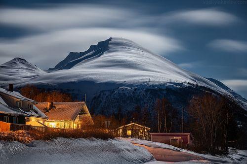 Лунная ночь в Люнгенских Альпах
