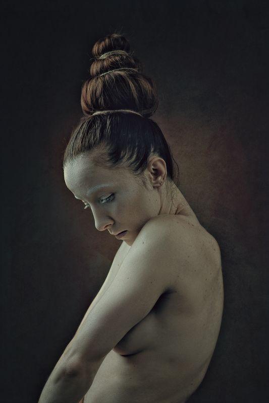 redhair, female, beauty, portrait, nude, naked, sensual, sensuality, twist, dance, motion, feminine, woman, adult, strange, ghost, spooky, mood, people, look Femalephoto preview