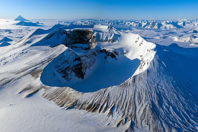 камчатка, вулкан, зима, пейзаж, природа, путешествие, фототур, озеро Над кратеромphoto preview