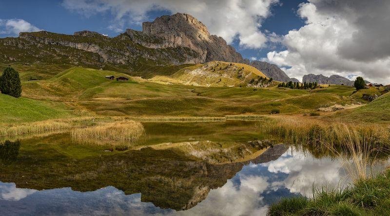 италия, альпы, панорама маленькое озеро, большая гораphoto preview