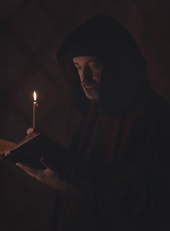 Монах.photo preview