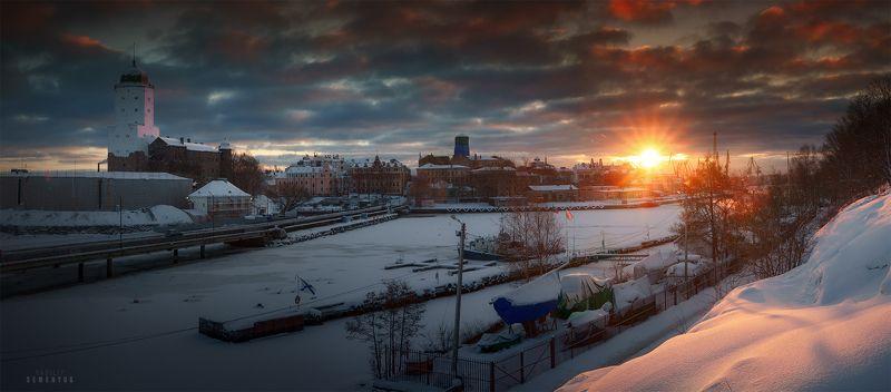 выборг, зима, рассвет, замок, город, солнце, снег. Рассвет над Выборгом.photo preview