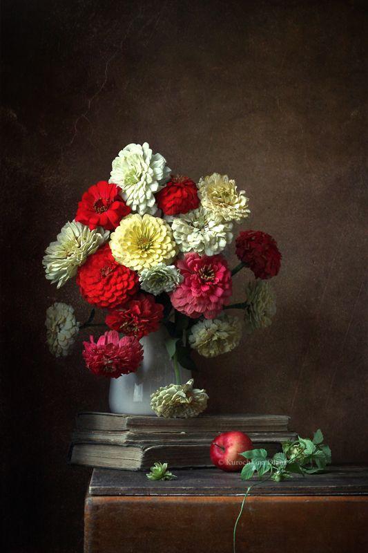 натюрморт, цветы, букет, цинии, цветочный натюрморт Букет сентябрьских цинийphoto preview