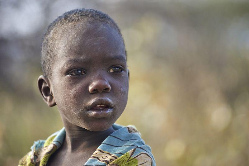 Африка Hadza Sony племя Мальчик из племени Хадзаphoto preview