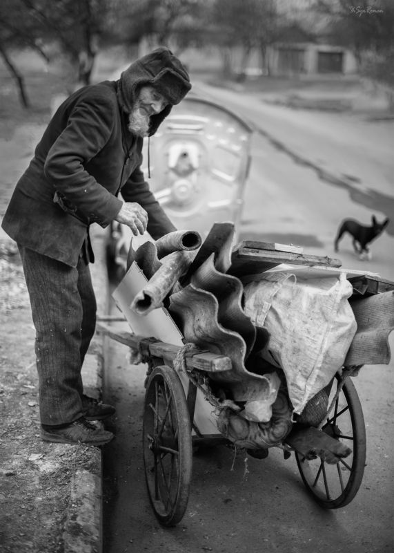 мужчина,жанр,улица,тачка,собака ***photo preview
