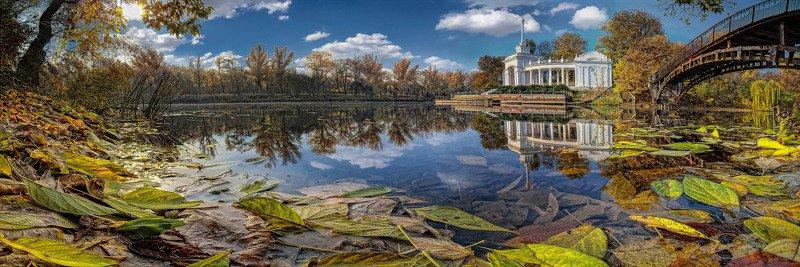 панорама, пейзаж, отражения, облака, небо, тучи, архитектура, река, осень, Осень у лодочной станцииphoto preview