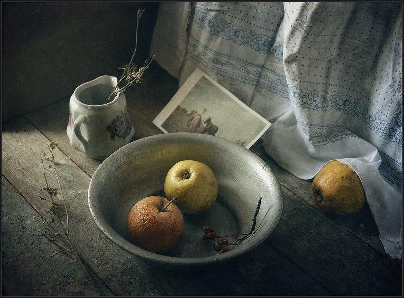 Натюрморт с яблочками..photo preview
