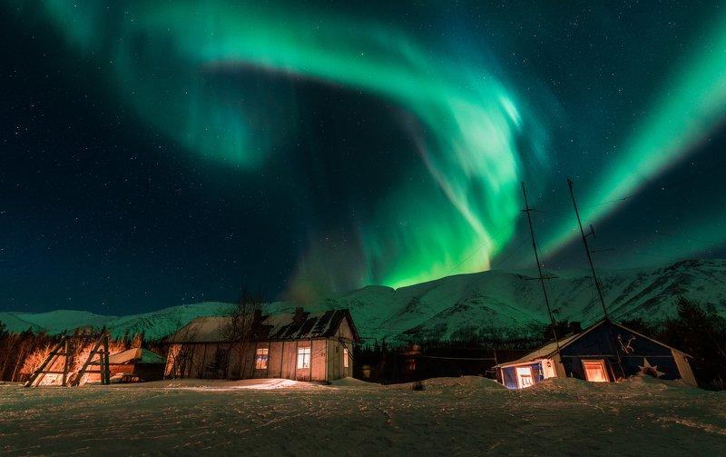 Хибины, Куэльпорр, северное сияние Небесный завитокphoto preview