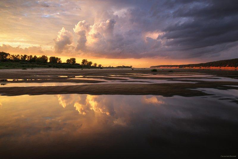 небо, закат, отражение, песок, пляж, река, лето, облака Небесный корабльphoto preview