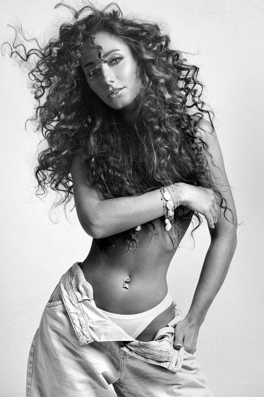 #girl, #beautiful, #девушка, #красота, #глаза, #чбфото,  #чернобелое Настя в черно-белом.photo preview