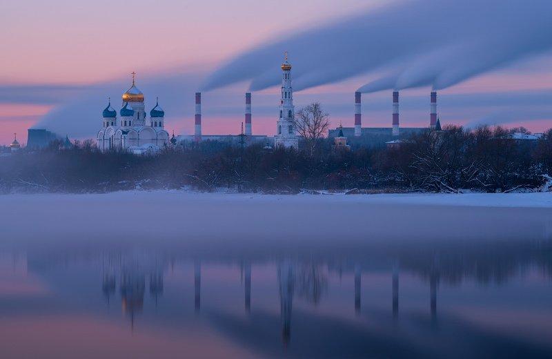 вечер, город, туман, дымка, река, монастырь,\\\\закат Про трубыphoto preview