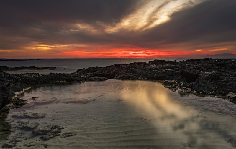 пляж, океан, закат солнца следphoto preview