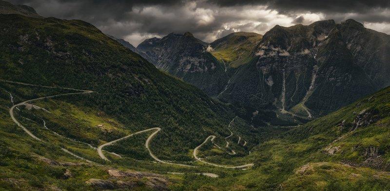 норвегия, горы, дорога через горыphoto preview
