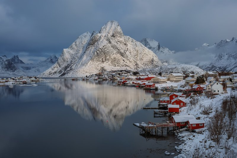 norway, lofoten, lofoten islands, рейне, reine Утро в рыбацкой деревне.photo preview