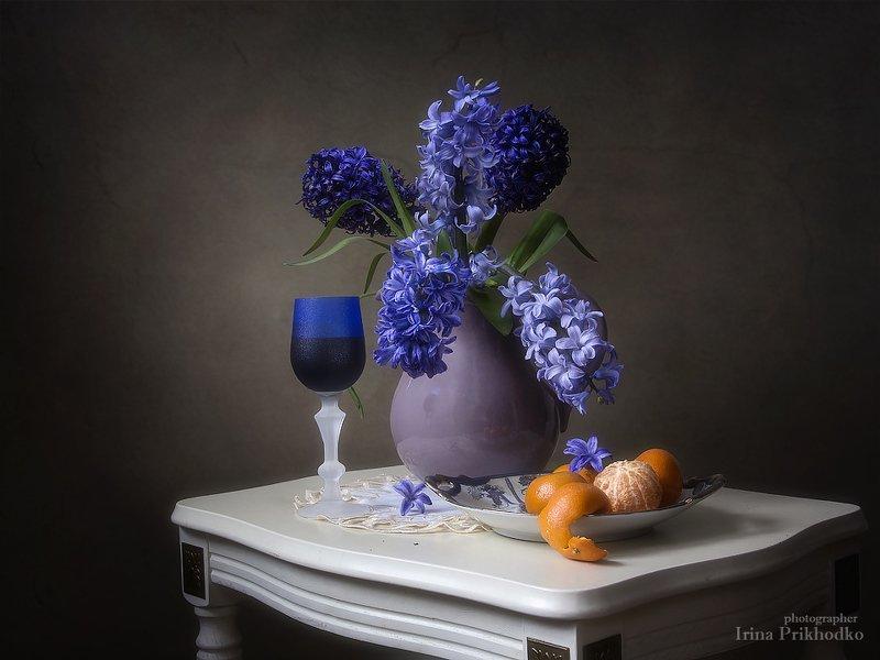 натюрморт, весна, цветочный, гиацинты, фрукты, вино, мандарины Натюрморт с гиацинтами и мандаринамиphoto preview